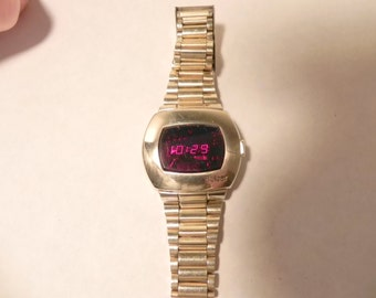 vintage working pulsar led p3 watch