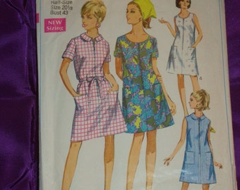 1960s 60s Vintage Half Size Dress A Line Front Zip Round Collar Sleeveless or Short Sleeve Simplicity Pattern 7655 Bust 43 Inches 109 Metric