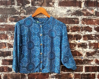 60s Blue Paisley Cropped Shirt / Cropped Jacket. 1960s Brass Button Front Blouse. Cobalt Blue Linen / Silk Blend. Quarter Length Sleeve.