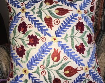 Suzani pillowcase (Suzanduzi)