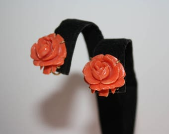Beautiful Vintage Gold Tone Carved Flower Earrings Screw Back