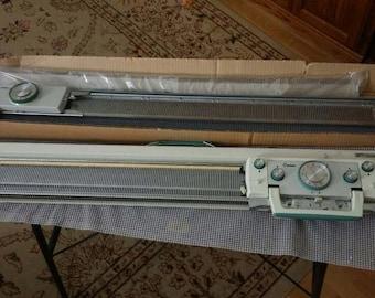 Corona CH1500 knitting machine and ribbing attachment
