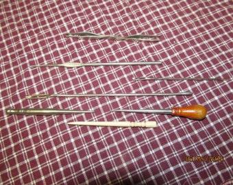 Vintage Assortment Lot of Sewing Tatting Tools Notions Needle Lot of 7 Tatting Tools Bone Tatting Needle