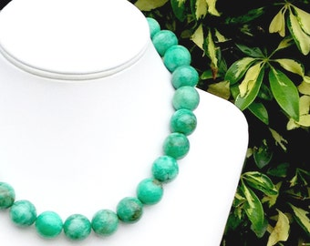 Green Gemstone Necklace Chunky Green Necklace 16mm Round Green Bead Necklace Light Emerald Green Jade Gemstone Beaded Necklace - GORGEOUS