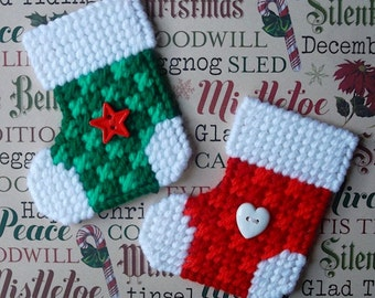 Plastic Canvas: Checked Christmas Stocking Magnets (set of 2)