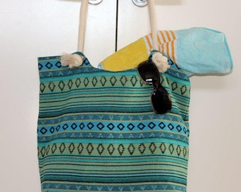 Woman's beach bag tote / Large tote for everyday / 1 large & 2 small pockets / Rope handles / Summer beach tote