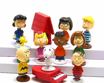 "Peanuts Charlie Brown Snoopy Woodstock Lucy Linus 12 Figure Set 3/4"" -2-1/4"" CAKE TOPPER"