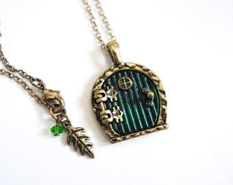 Vintage style bronze hobbit door pendant locket necklace costume jewellery gift