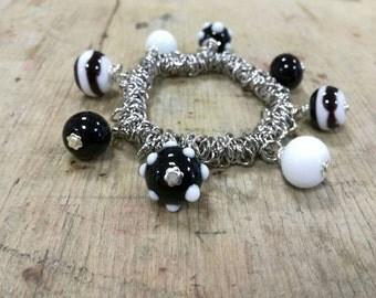 Bracelet whit pending beads