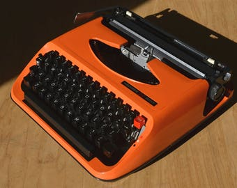 Working Typewriter - Orange Vendex 500T - Fully Serviced - Working Perfectly