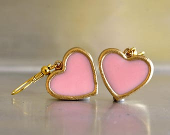 pink dangle earrings. pink heart earring. heart dangle earrings. heart earrings. romantic earrings. vintage style earrings. everyday earring
