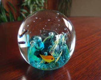 Glass Paperweight Blue Ocean Waves with Bubbles and 3 Fish Collectible Home and Living décor C449