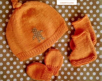 3 pieces set cap mittens socks newborn to 1 month