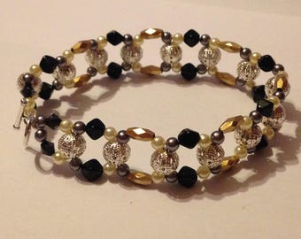 Threaded Metallic Bead Bracelet
