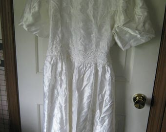 Vintage White Satin And Lace Dress Girls size 18 1/2