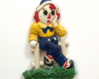 1970s Raggedy Andy Plastic Wall Art 7510 by Syroco. Made in the USA.