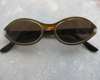Cateye Sunglasses 1960s. Retro French eyeglasses, original vintage eyewear. Gold see through frames, brown tinted lens. Made in France