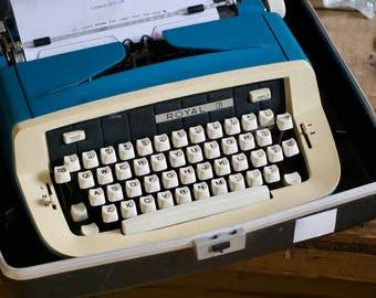 Working Vintage Typewriter, 60s Royal Safari Custom II in Blue Black Cream, MCM Film Movie Office Prop, Wedding Prop, Writer Birthday Gift