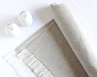 Fringed linen table runner - Scandinavian style modern - handmade - Christmas, Easter table decorations - chemin de table lin | 0053