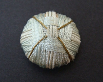 Antique Needlework Sewing Button - Woven design - silk & gold - Bouton couture tissu