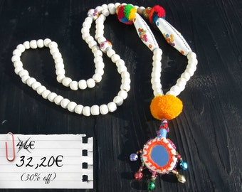 Ethnic Chic Thaï Necklace, Hmong pompoms & pendant