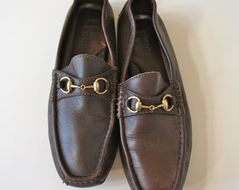 90s vintage Gucci dark brown leather loafers slip ons shoes women's size 8 made in Italy designer vintage