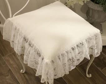 romantic cushion with lace