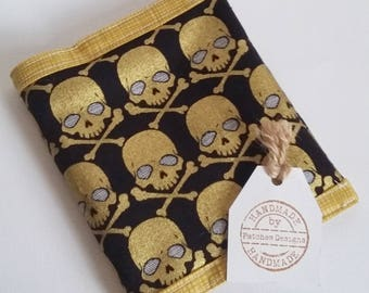 Privacy Pouch Tampon Case Wallet Sanitary Pad Wallet Holder Feminine Products Items Discreet Purse Metallic Skull Skulls Gothic Fabric