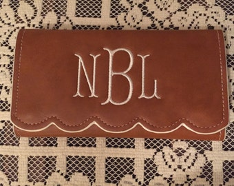 Classy  Scalloped Trifold Wallet, Monogrammed Wallet, Personalized Valentine Gift, Women's Monogrammed Wallet