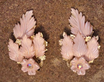 Vintage Pink Lucite Earrings in Silver Tone Clip on style, All the Fashion! Lucite feathers and flowers, Rhinestones, Findings