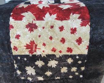 Quilted Table Runner, Canada Table runner, O Canada!, Canada's Birthday, July 1, Canada's 150th, Canada Day, Canadian images, Canadian