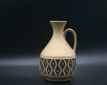 Gräflich Ortenburg 441 lovely vase  1970s , mat beige brown fish stylish decor vase, West  German Pottery .