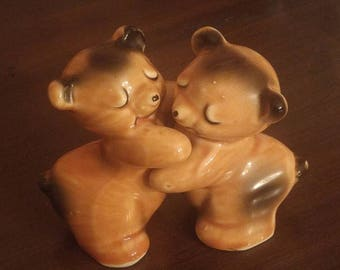 Vintage Van Tillengin Bear Huggers Salt and Pepper Shaker
