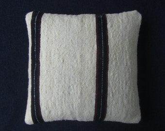 Pillowcase of wool, natural white with blue, tissue application pillow rustic Peruvian weaving. (16 x 16 inch.) (40x40cm) CN-257