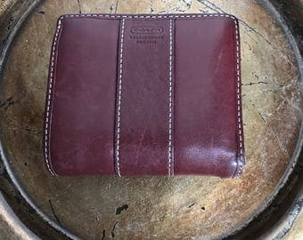 Vintage Coach Wallet, Kiss Lock Wallet, Burgundy Wallet, Women's Wallets, Coach, Vintage Coach, Leather Wallets, Coach Wallet