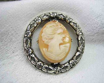 Vintage Sterling Victorian Carved Shell Cameo Brooch