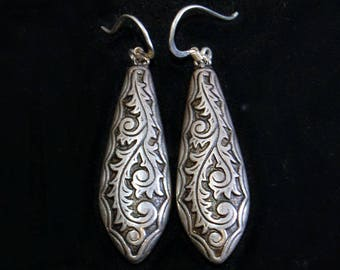 Elegant 60's hollow sterling woodland hippie couture statement dangles, big intricate oxidized 925 silver romantic vines boho earrings