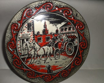 Collectiable Rum & Brandy Cake Tin/ Horse Drawn Carriage