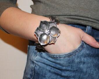 Silver Flower Bangel
