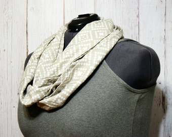 Infinity Scarf -Women's Scarf -Gift For Her -Light Gray Circle Scarf -Gray Infinity Scarf -Valentines Gift -Spring Scarf -Valentine Day Gift