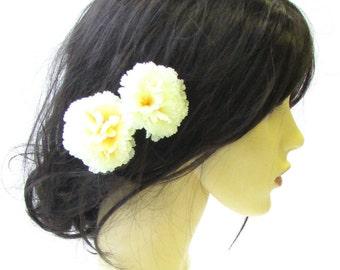 2 x Pale Yellow Cream Carnation Flower Hair Pins Bridesmaid Floral Vintage 1562