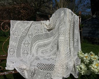 Openwork tablecloth * Vintage/Jaren 80/old-fashioned Interior/Dressing/Nostalgic/Beige bedspreads/Retro/130x180 cm/Machined