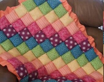 Multicolor floor puff quilt