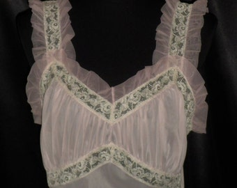 Ravishing Vintage American Maid Pink Nightgown with Sheer Ruffle & Lace 36