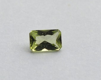 6x4mm Emerald Cut Peridot