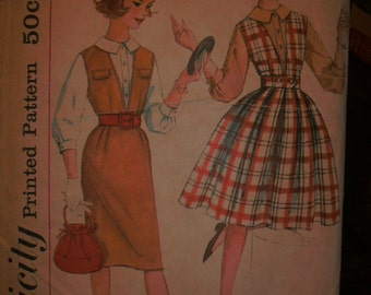 Simplicity 3655 Printed Pattern ~ Size 14 Bust 33 ~ 1950s Sub-Teen Blouse, Jumper with Two Skirts & Belt