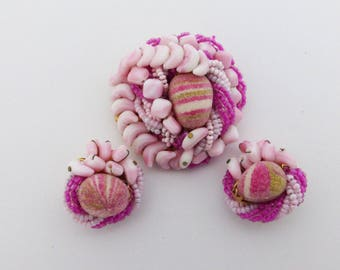 Variegated Pink Brooch and clip on earring set AL10