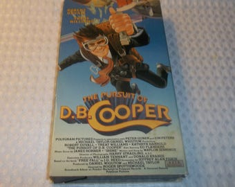The PURSUIT Of DB Cooper VHS Vintage 1980's video Treat Williams Robert Duvall Waylon Jennings Based On Free Fall by jd Reed