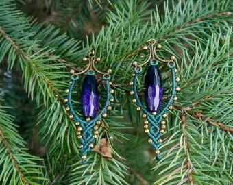 Green macrame earrings