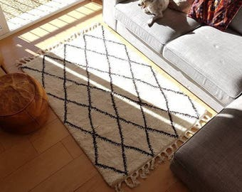 Beni Ourain Moroccan Rug 100x170cm 100% wool monochrome handmade by our women's cooperative - Fairtrade and new